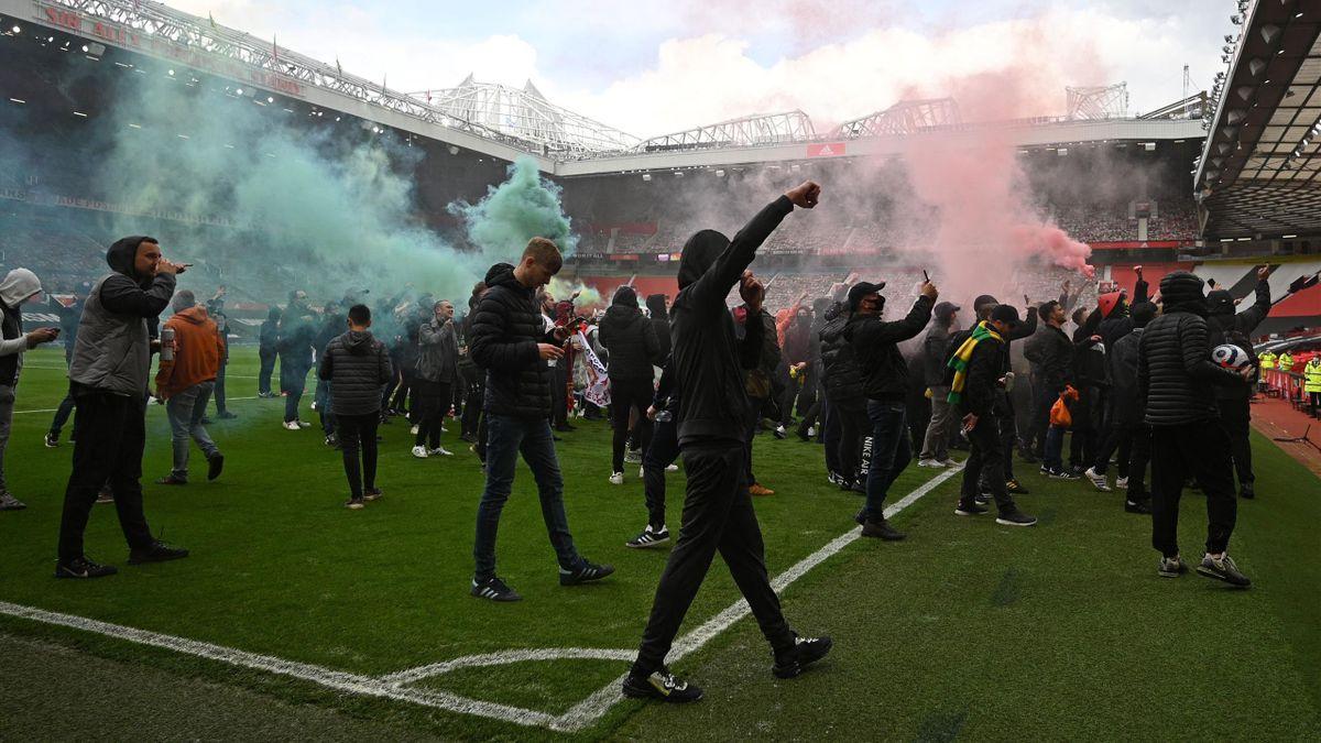 Fans von Manchester United beim Protest in Old Trafford