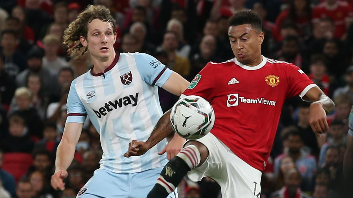 Jesse Lingard (R) in action against West Ham