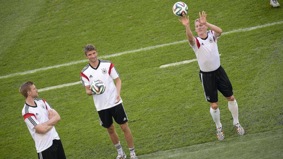 Bastian Schweinsteiger et Thomas Muller à l'entraînement lors de la Coupe du monde 2014
