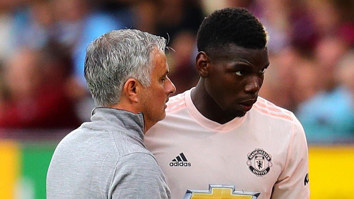 Jose Mourinho (L) and Paul Pogba