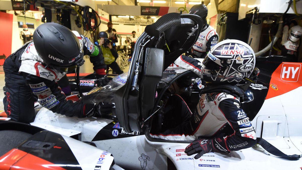Kamui Kobayashi à bord de la Toyota n°7 lors des 24h du Man