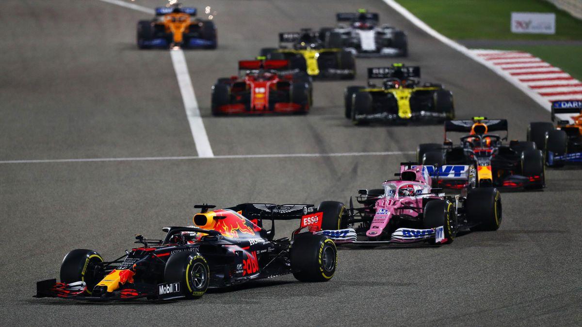 Sergio Pérez entre les deux Red Bull à Bahreïn en 2020