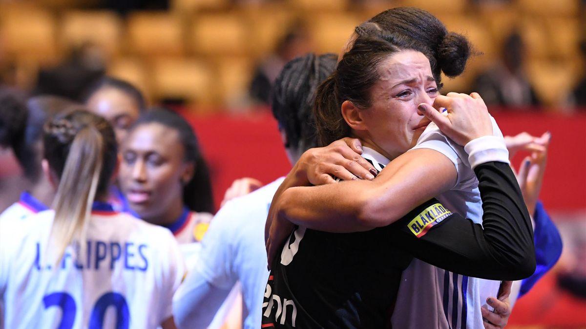 Cléopâtre Darleux, en larmes après la défaite en finale