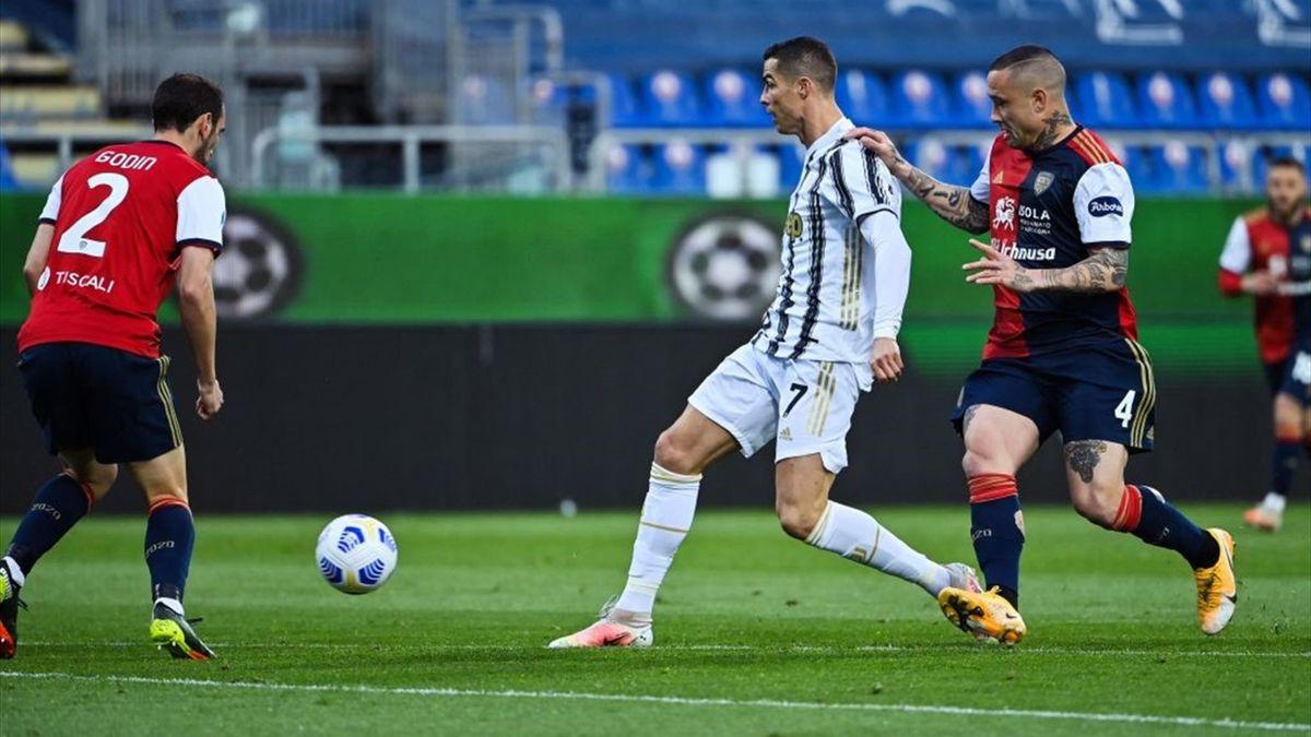 Cristiano Ronaldo e Radja Nainggolan - Serie A 2020-2021
