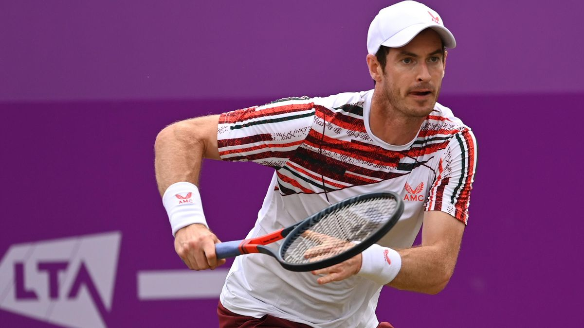 Andy Murray of Great Britain scampers for the ball during his Round of 16 match against Matteo Berrettini of Italy during Day 4 of The cinch Championships at The Queen's Club