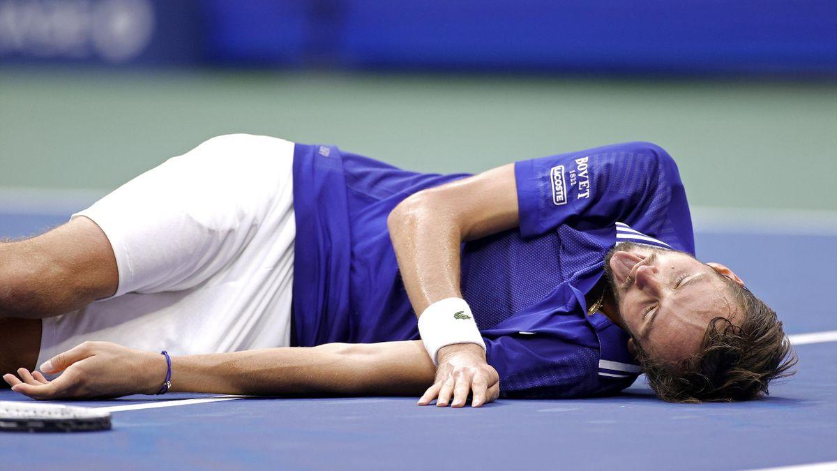 Daniil Medvedev festeggia lo US Open 2021 a modo suo