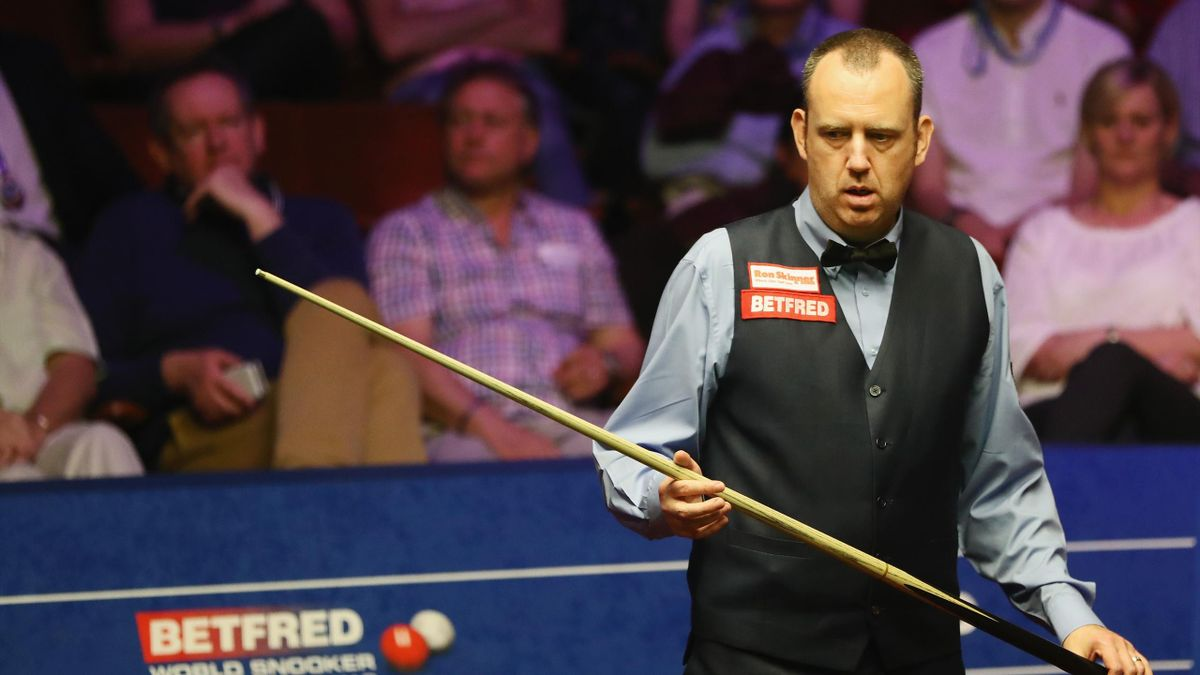 World champion Mark Williams suffered a first-round defeat against world number 65 Sunny Akani