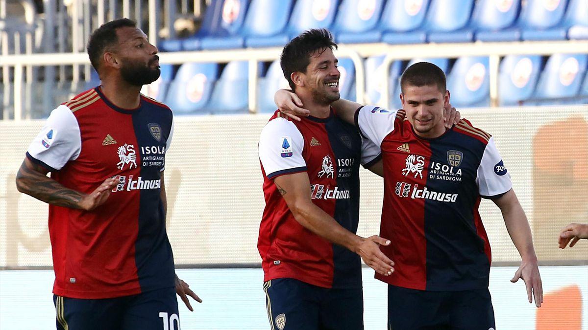 Razvan Marin esulta insieme a Joao Pedro e Simeone, Cagliari-Roma, Getty Images