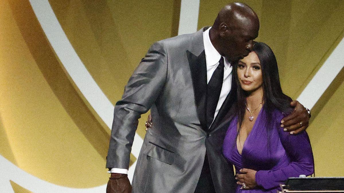 Michael Jordan e Vanessa Bryant per l'introduzione di Kobe nella Hall of Fame