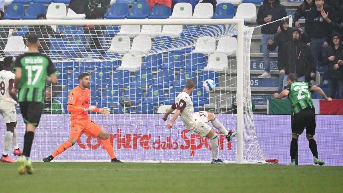 Il gol di Domenico Berardi - Sassuolo-Salernitana - Serie A 2021-22