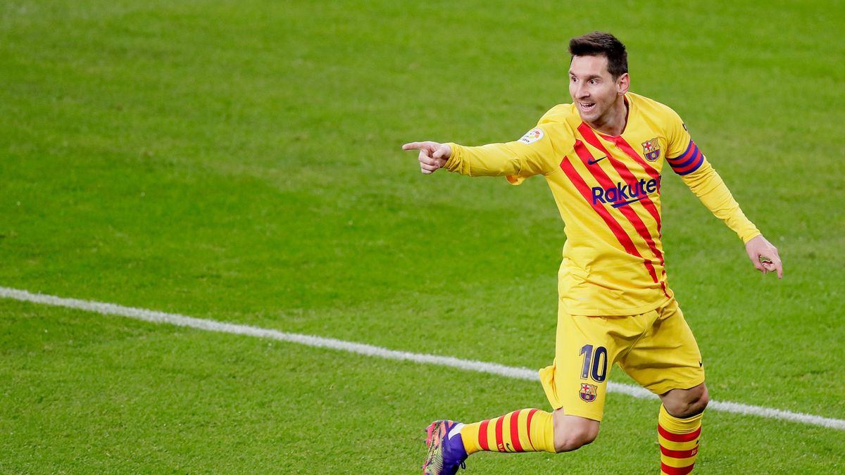 Lionel Messi of FC Barcelona celebrates 1-2 during the La Liga Santander match between Athletic de Bilbao v FC Barcelona at the Estadio San Mames on January 6, 2021 in Bilbao Spain