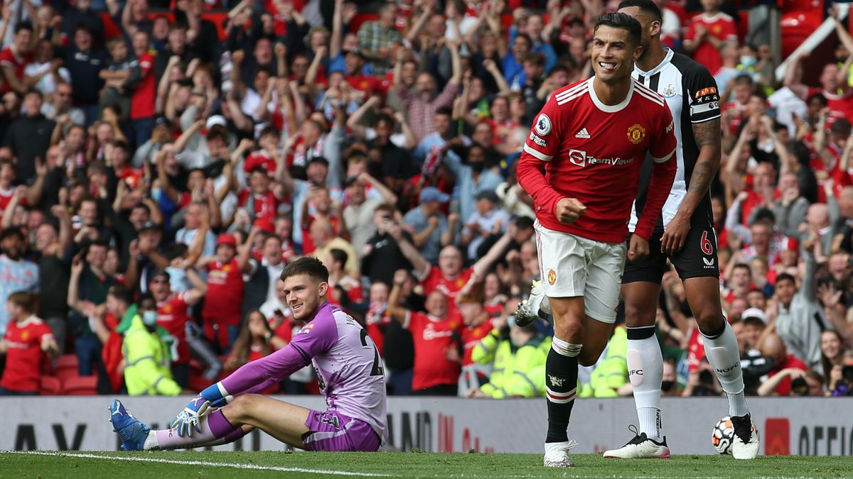 Cristiano Ronaldo esulta per il gol contro il Newcastle United al debutto con la maglia del Manchester United - Premier League 2021/2022
