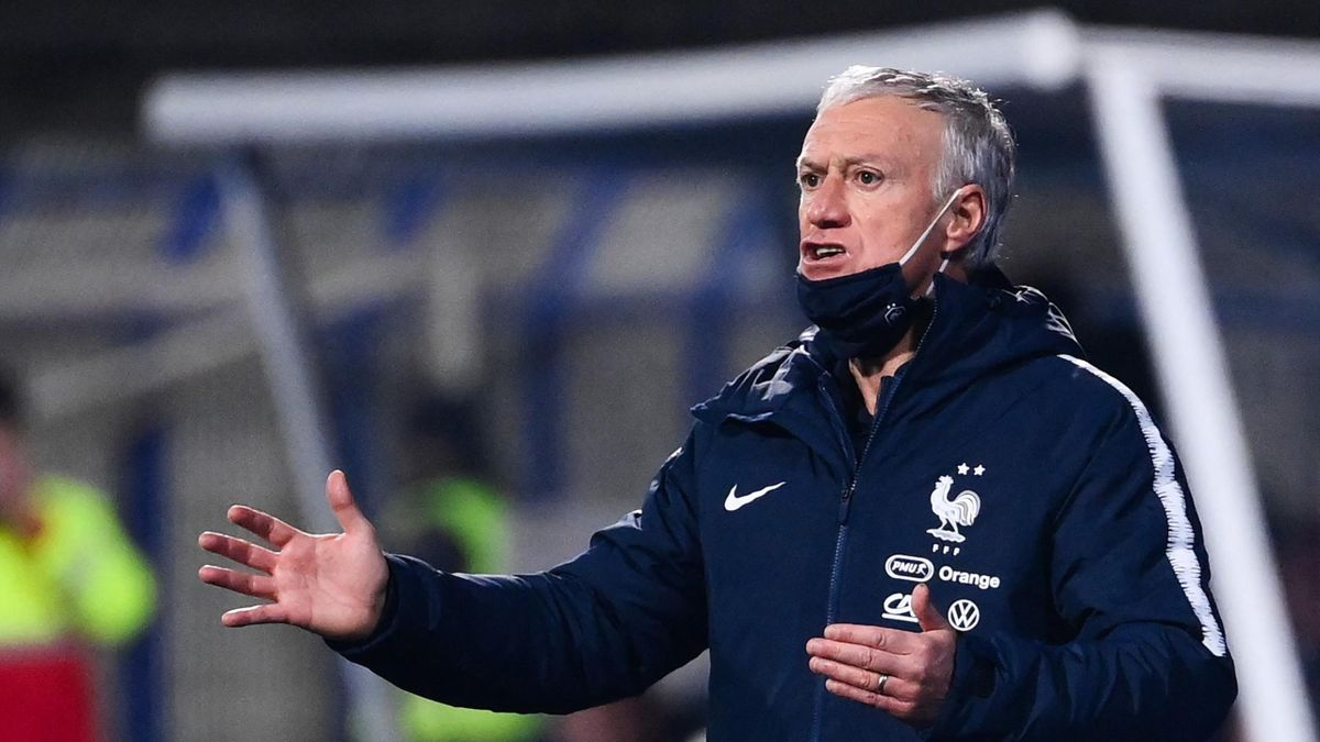 Didier Deschamps, mécontent, en Bosnie