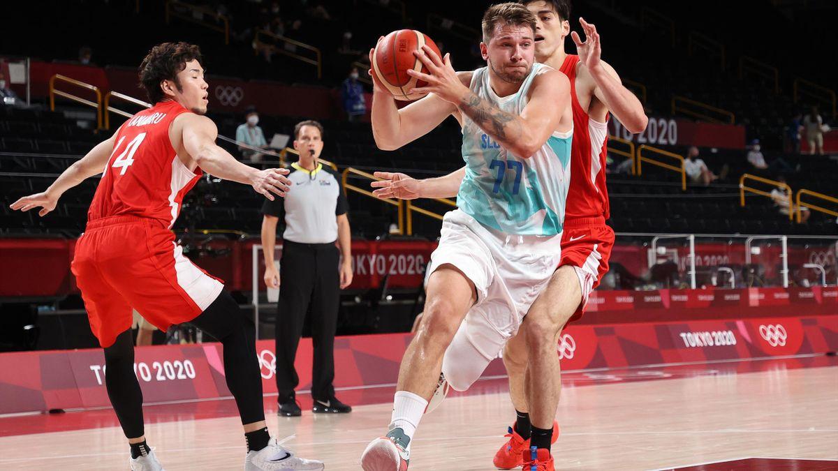 Luka Doncic zieht mit Slowenien ins Viertelfinale ein.