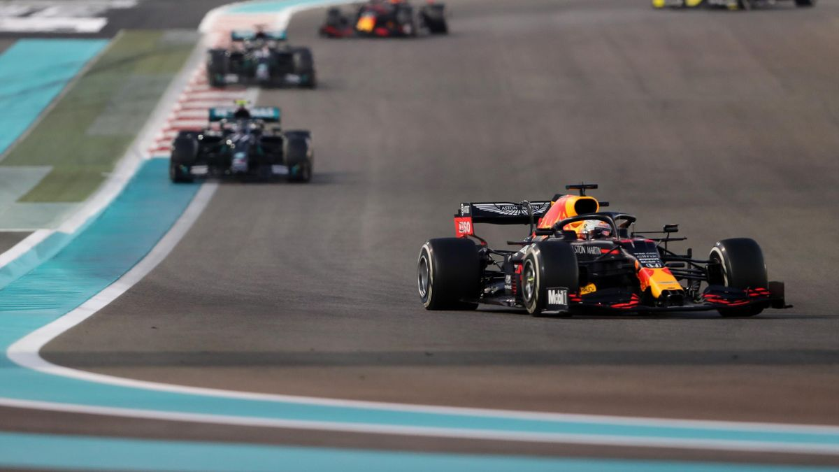 Red Bull's Dutch driver Max Verstappen leads the pack during the Abu Dhabi Formula One Grand Prix at the Yas Marina Circuit in the Emirati city of Abu Dhabi
