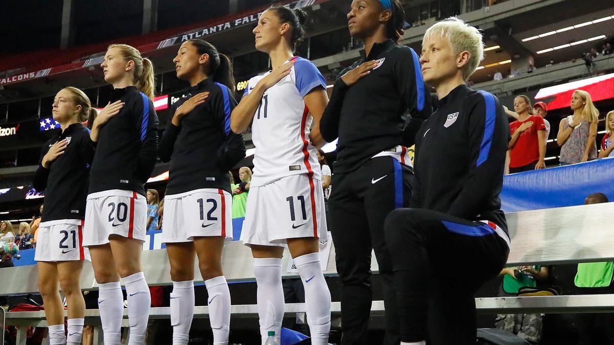 Megan Rapinoe kniet bei der US-Nationalhymne