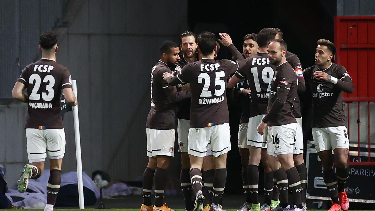 Jubel beim FC St. Pauli über den Heimsieg gegen Eintracht Braunschweig