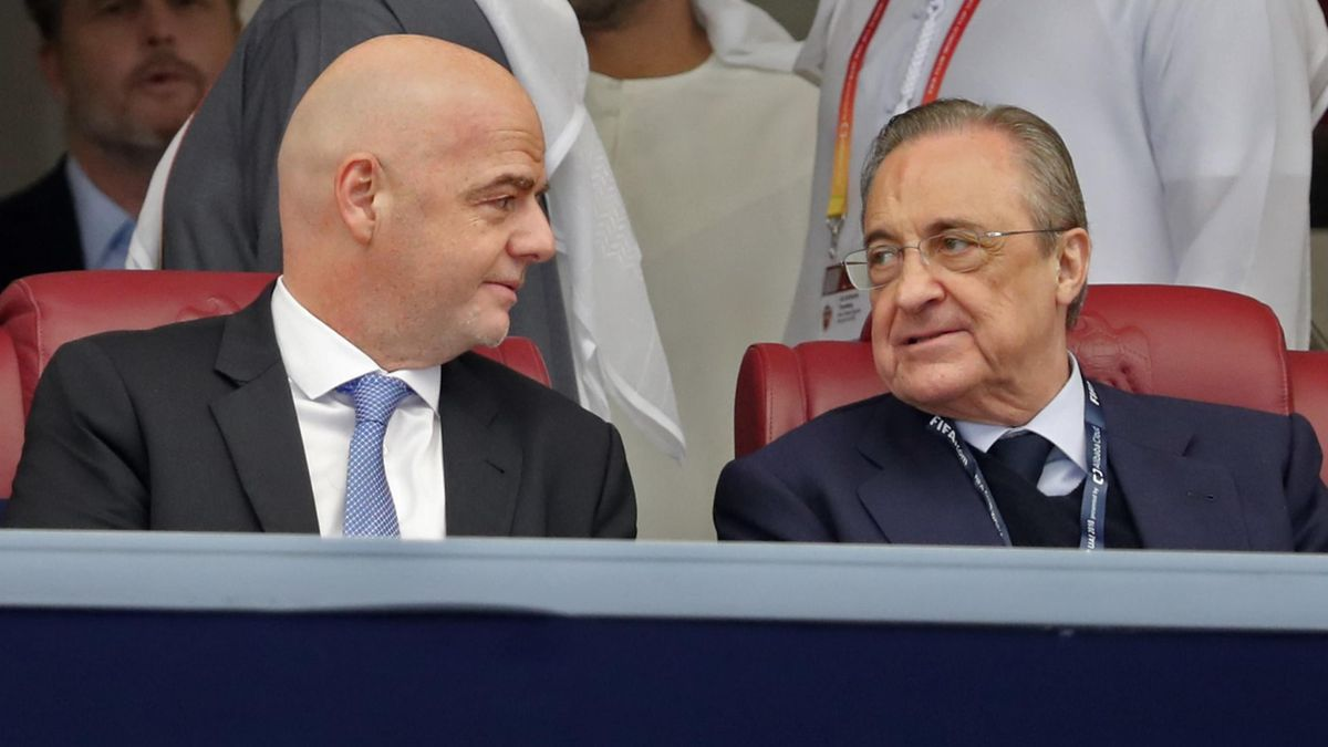 Florentino Perez, presidente del Real Madrid, y Gianni Infantino, presidente de la FIFA