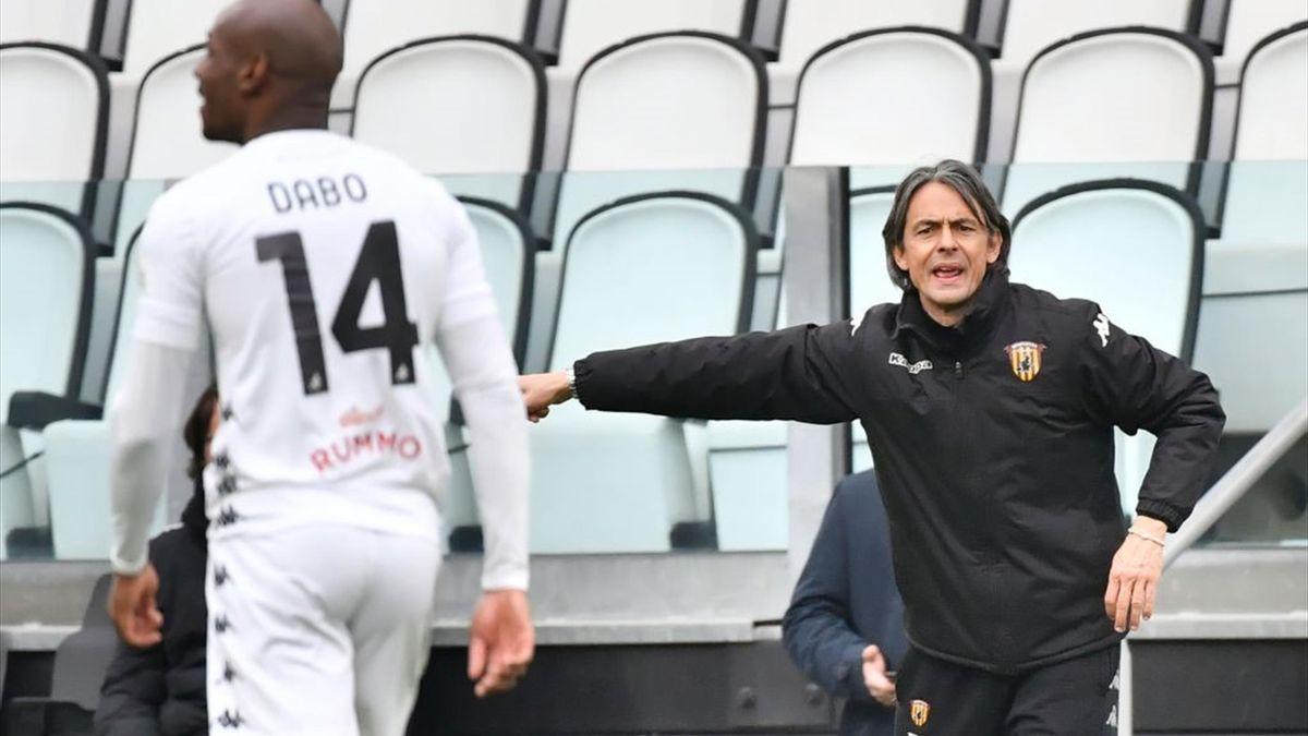 Filippo Inzaghi dà indicazioni durante Juventus-Benevento - Serie A 2020/2021 - Getty Images