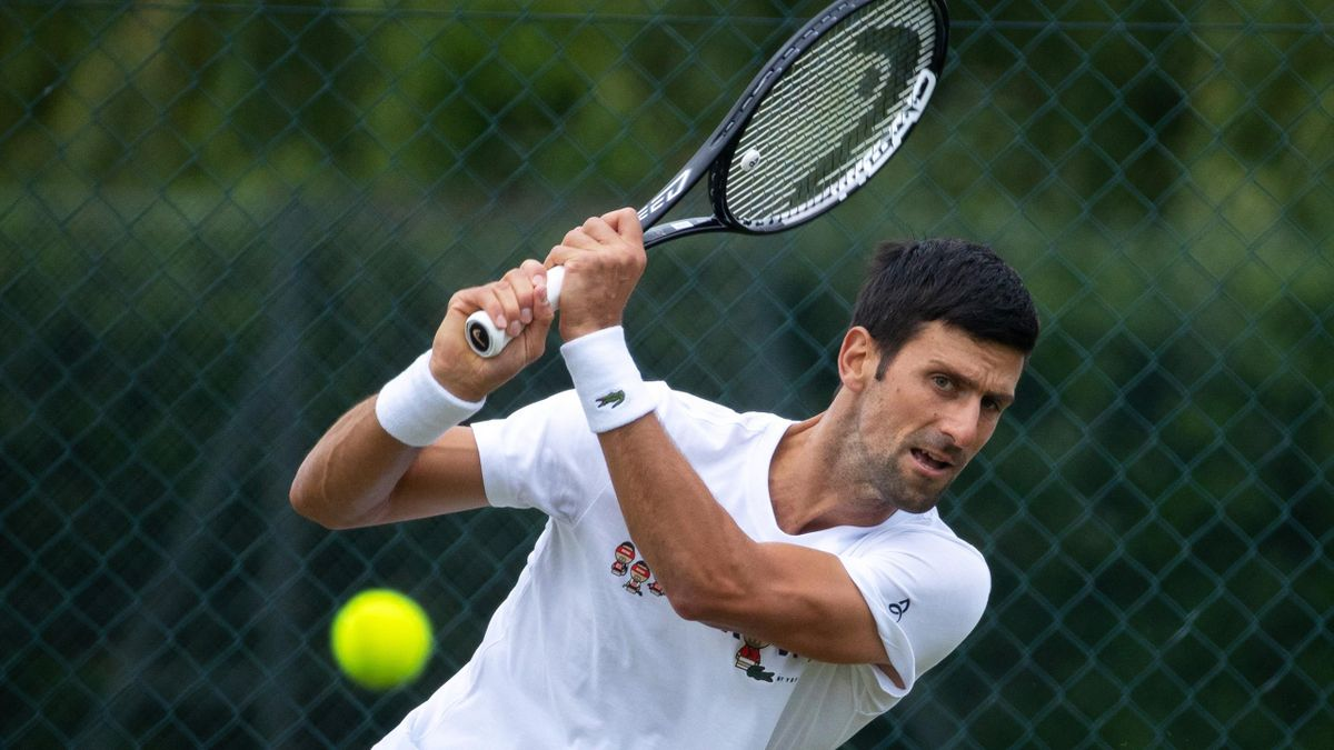 Wimbledon LIVE - Djokovic, Murray, Swiatek all in action