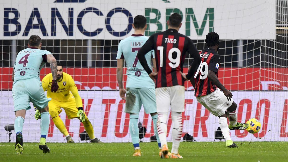 Il calcio di rigore di Kessie in Milan-Torino
