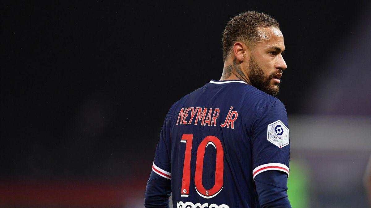 Neymar Jr of Paris Saint-Germain looks on during the Ligue 1 match between Paris Saint-Germain and Olympique Lyon at Parc des Princes on December 13, 2020 in Paris, France