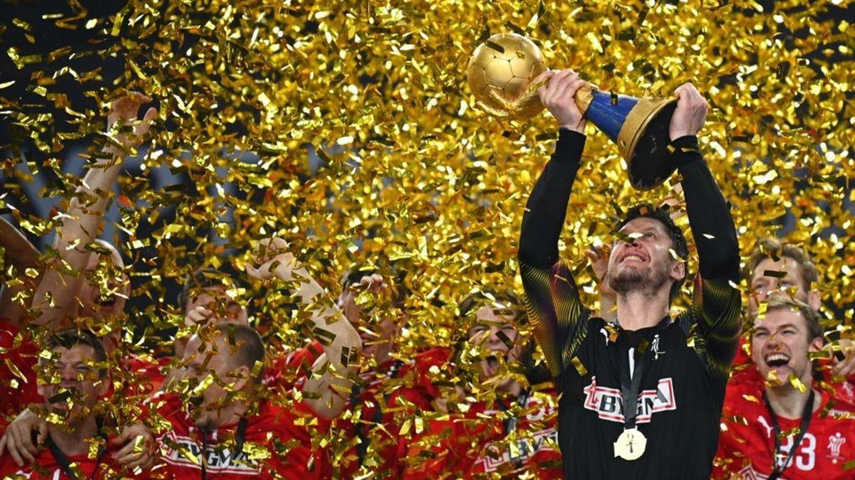 Niklas Landin jubelt über WM-Titel