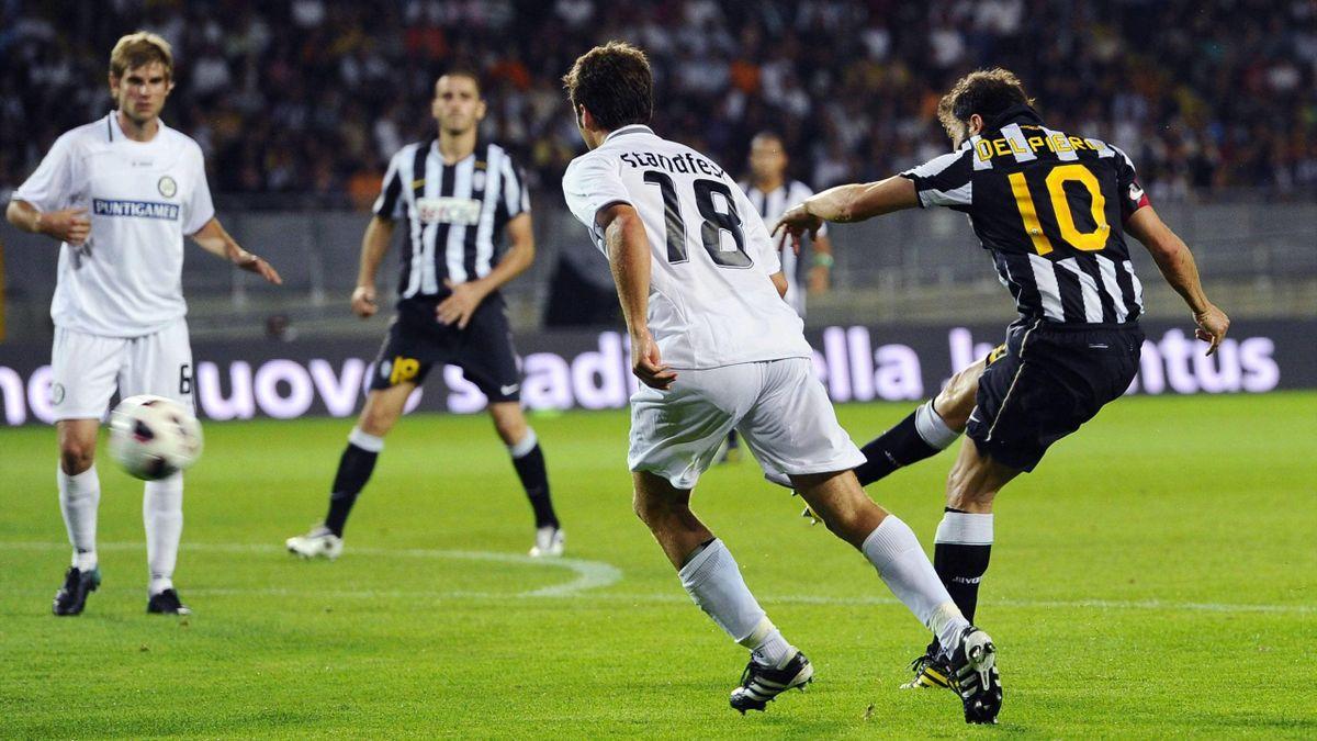 Alex Del Piero scocca un tiro a giro nella sfida di Europa League contro lo Sturm Graz, Eurospa League, Imago