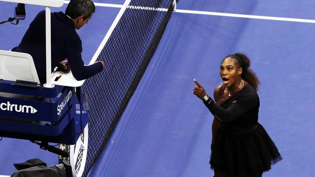 Serena Williams mit Carlos Ramos