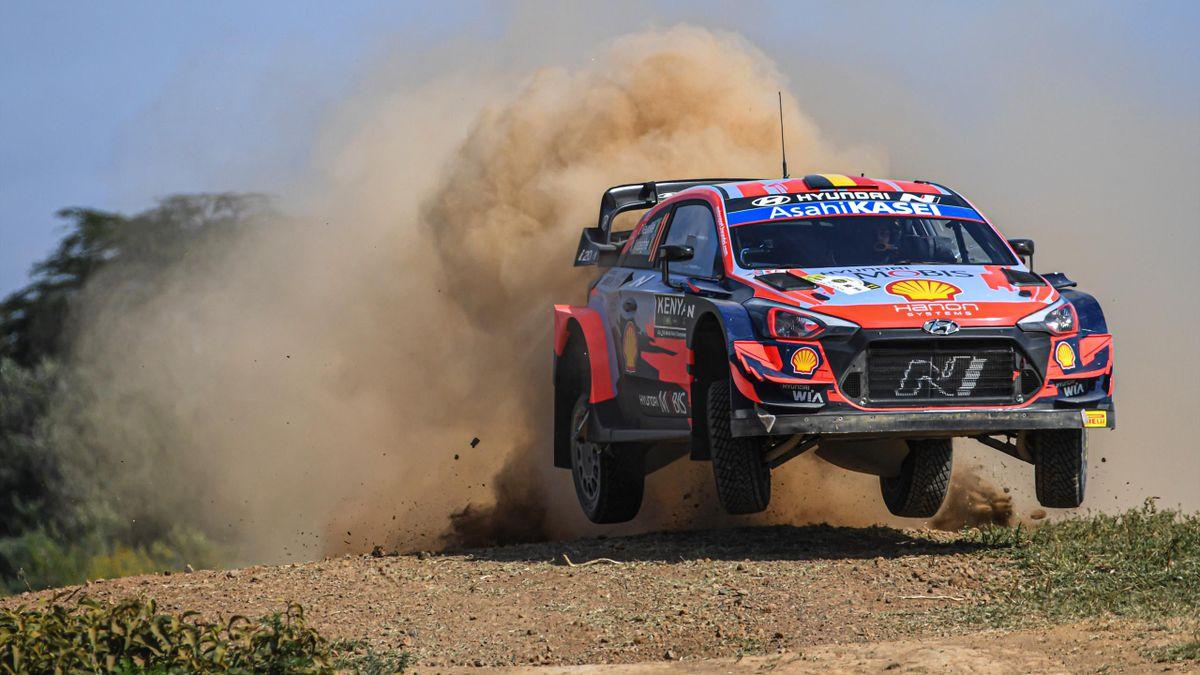 Thierry Neuville (Hyundai) durant le rallye du Kenya