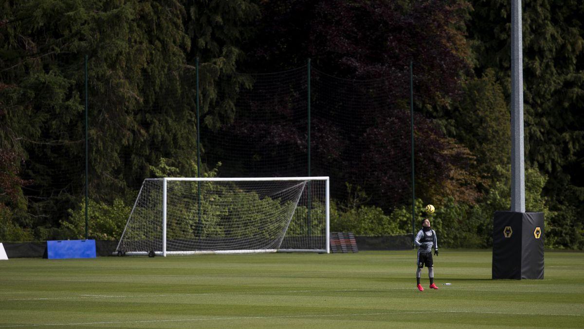 Daniel Podence (Wolverhampton) se antrenează pe cont propriu la baza Sir Jack Hayward a clubului