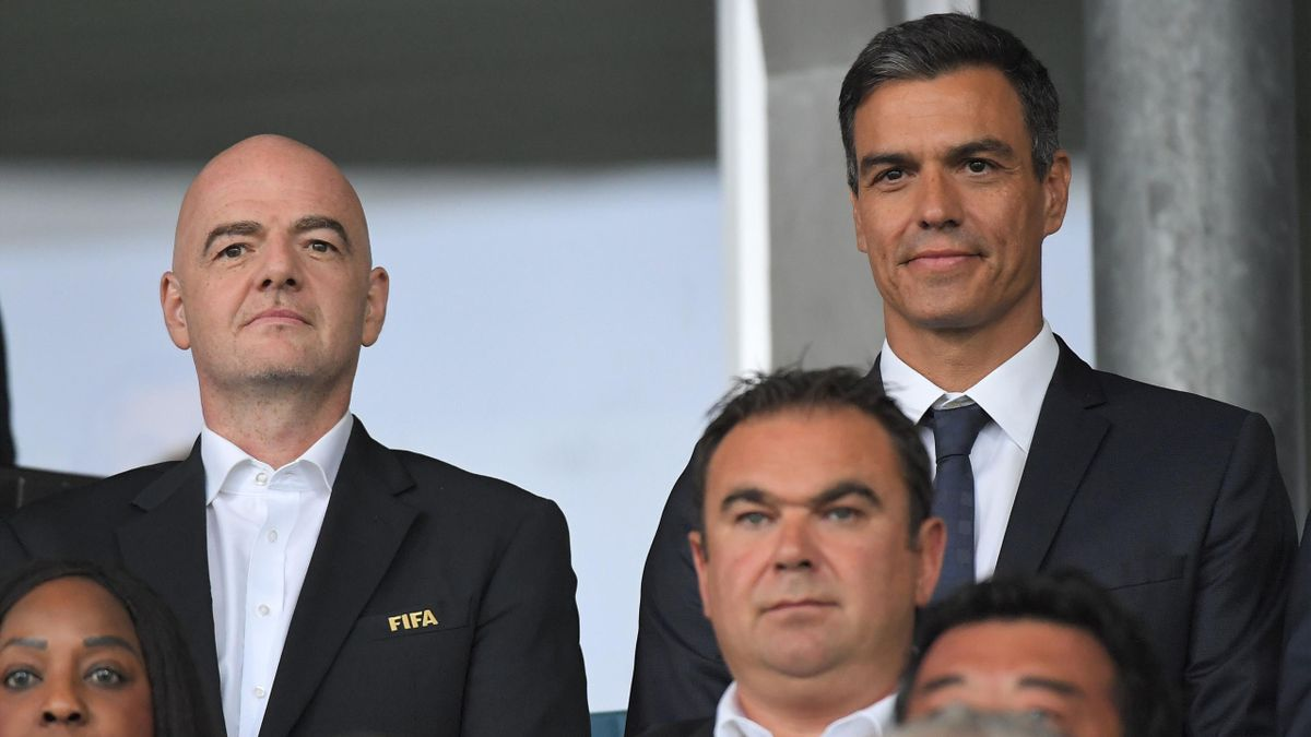 FIFA President Giani Infantino, left, and Spain's Prime Minister Pedro Sanchez met in August