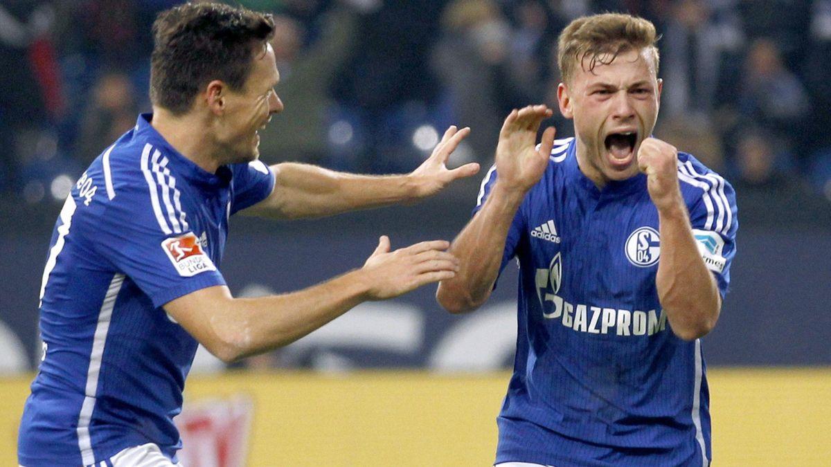 Schalke 04's Max Meyer (R) and Sascha Riether celebrate a goal against Hertha Berlin during their Bundesliga match in Gelsenkirchen