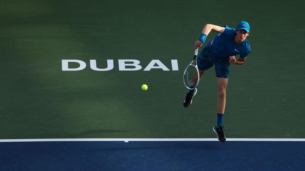 Jannik Sinner al torneo di Dubai 2021