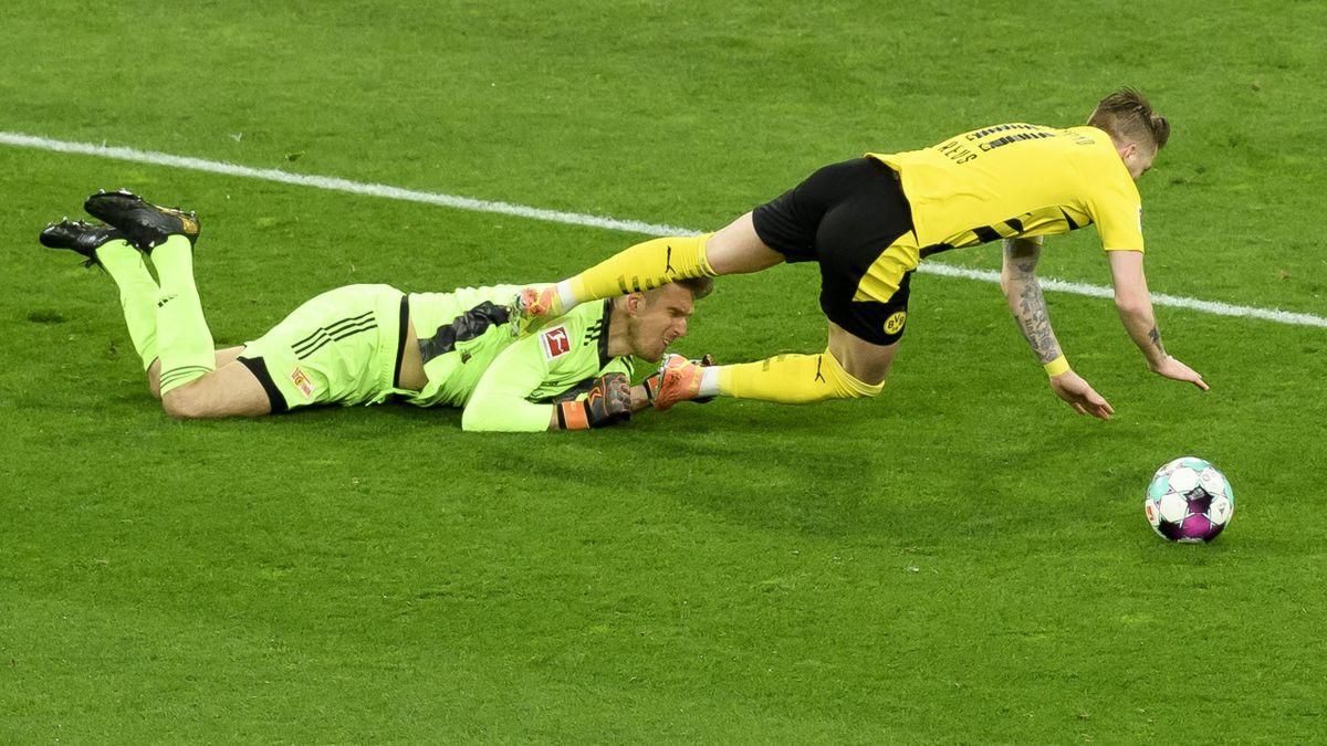 Strittige Szene: BVB-Kapitän Reus und Union-Keeper Luthe