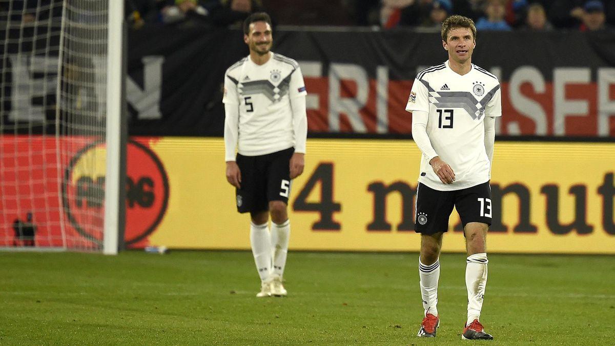 Thomas Müller (vorne) und Mats Hummels - DFB-Team