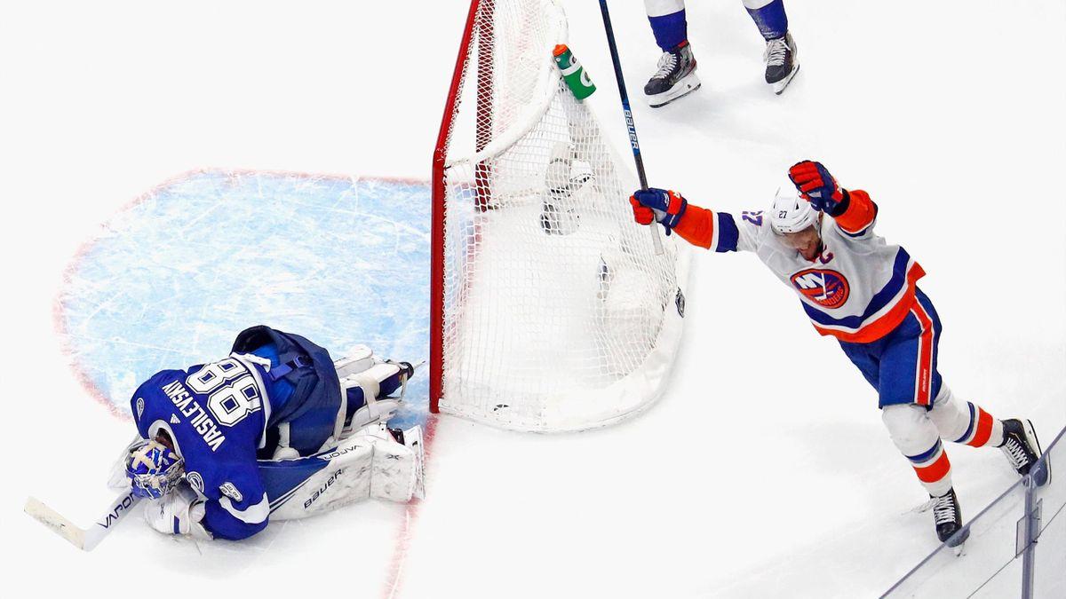 Anders Lee lors de la victoire des Islanders contre Tampa Bay en playoffs / NHL