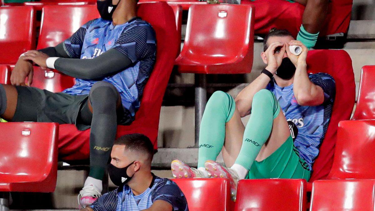 Gareth Bale sur le banc du Real face à Grenade.