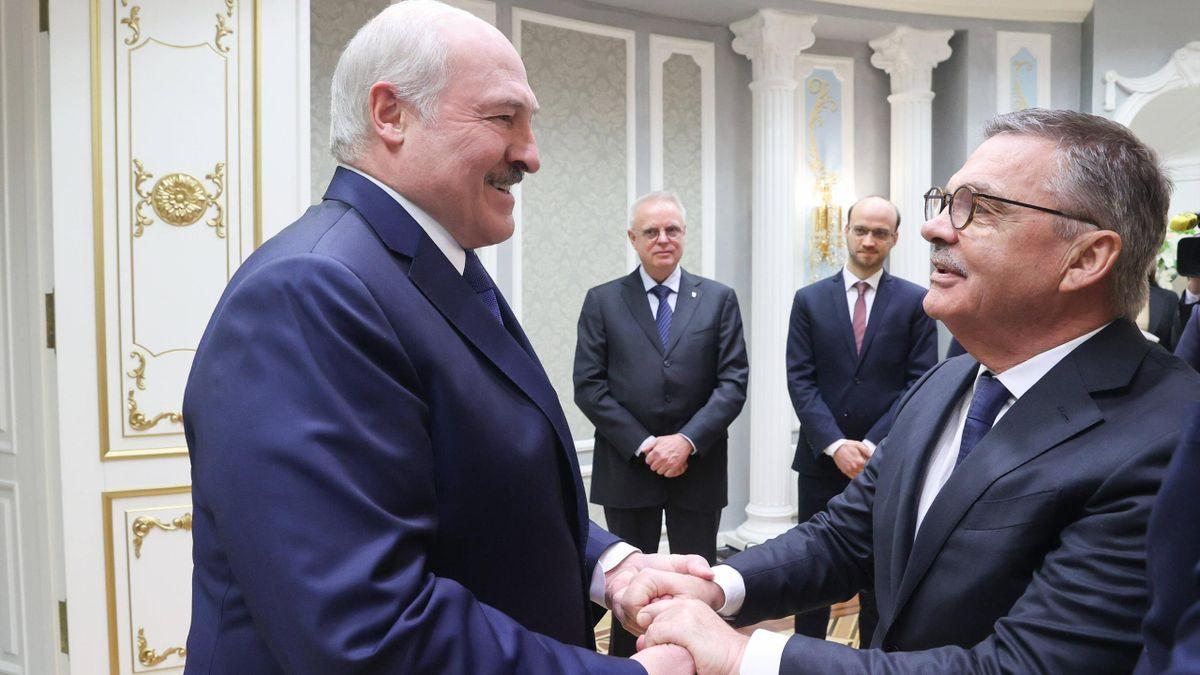IIHF-Präsident René Fasel (rechts) und Belarus-Präsident Alexander Lukaschenko