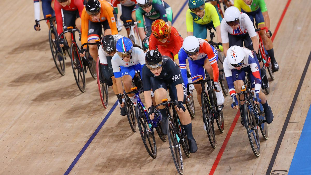 Amalie Dideriksen of Team Denmark, Kirsten Wild of Team Netherlands, Yumi Kajihara of Team Japan, Elisa Balsamo of Team Italy, Jiali Liu of Team China, Holly Edmondston of Team New Zealand, Clara Copponi of Team France, Laura Kenny of Team Great Britain,