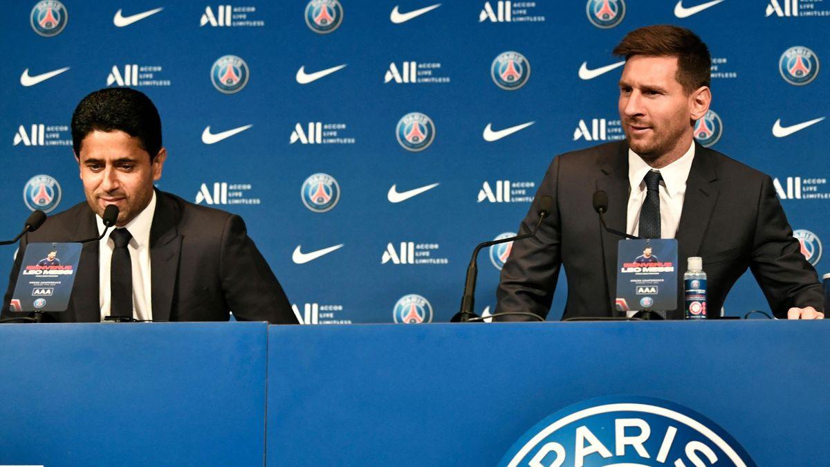 Leo Messi insieme a Nasser Al Khelaifi nella conferenza stampa, PSG, Getty Images