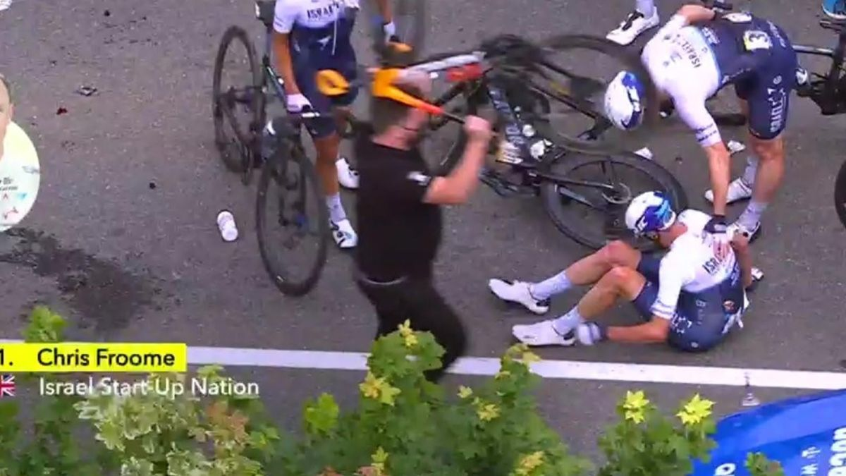 'He is down on his return to the Tour' - Froome caught up in 'absolute disaster' of a crash