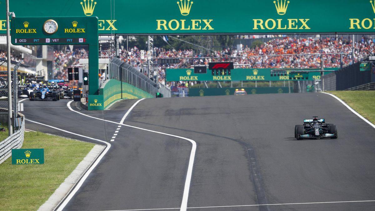 Lewis Hamilton allein im Grid
