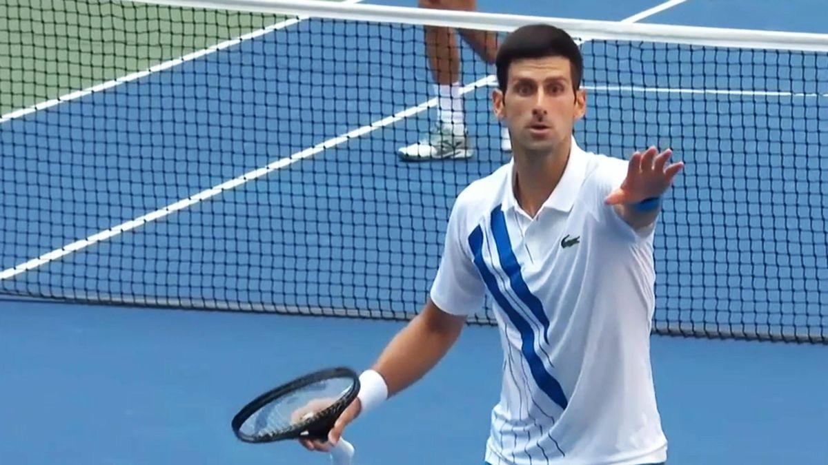 Novak Djokovic schießt versehentlich eine Linienrichterin ab