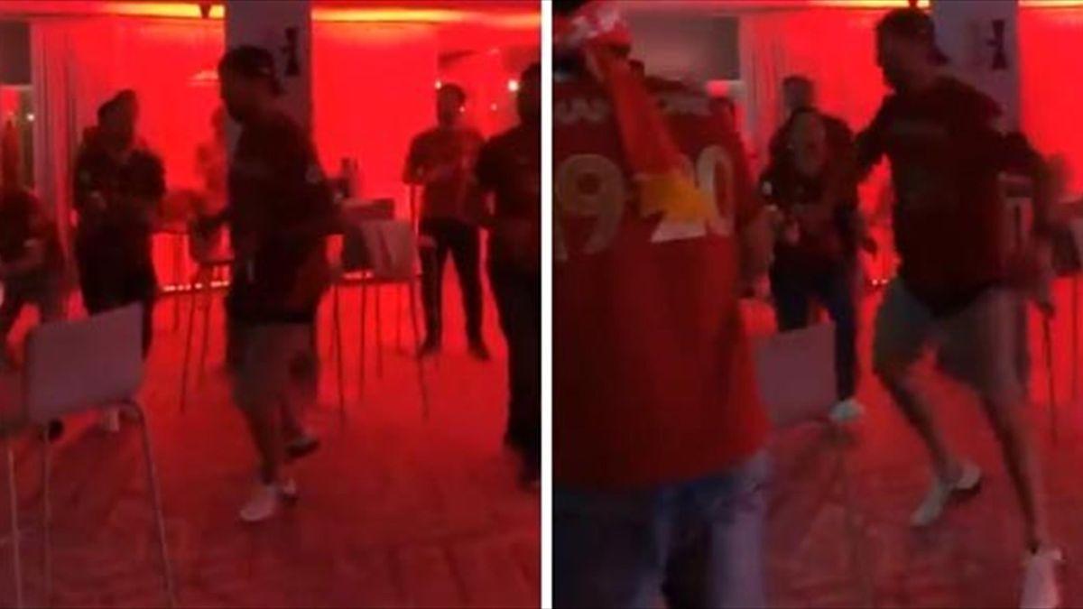 Jurgen Klopp a dansat la petrecerea de titlu a lui Liverpool
