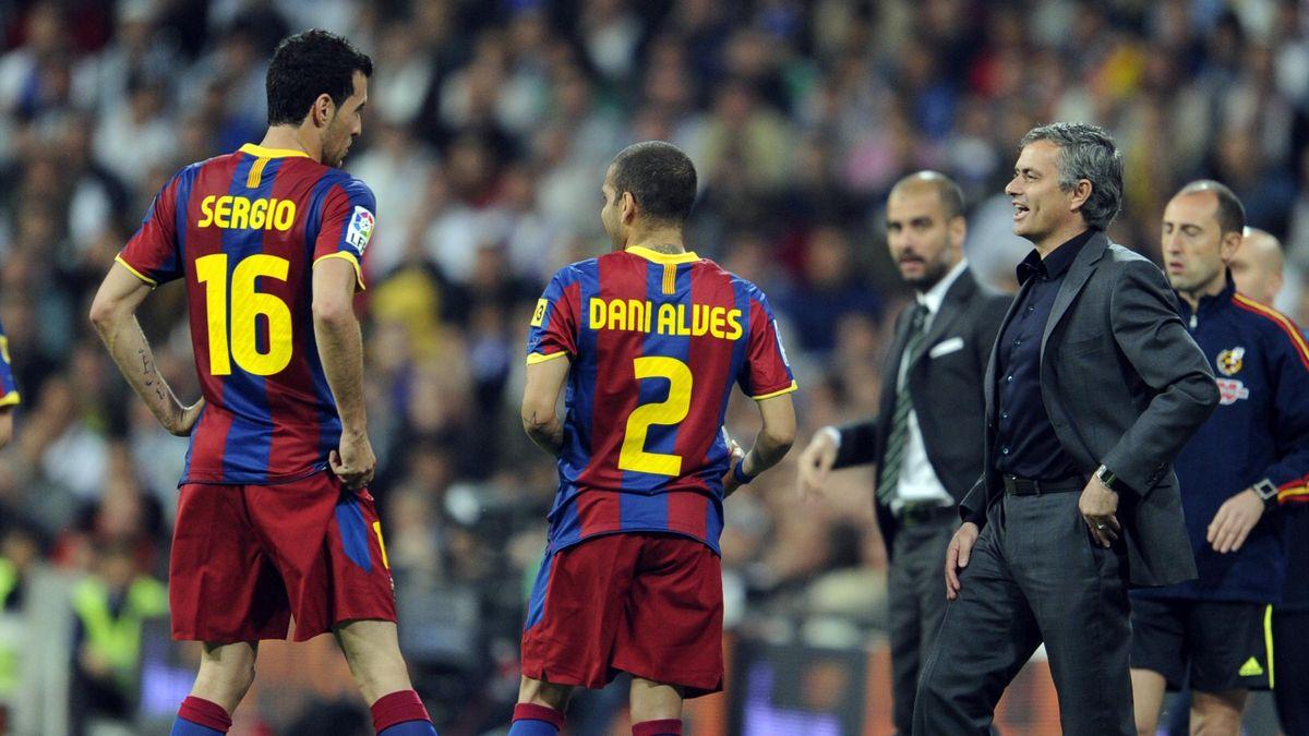Jose Mourinho, în timpul unui duel cu Barcelona lui Guardiola