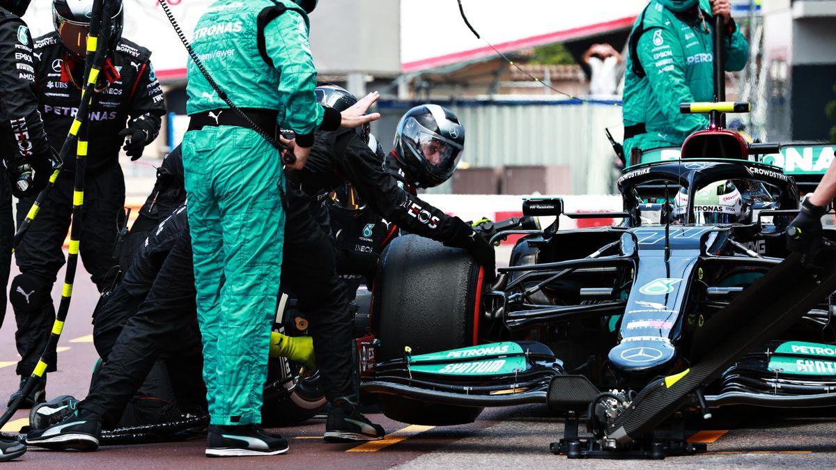 Valtteri Bottas' (Mercedes) misslungener Reifenwechsel beim Monaco GP