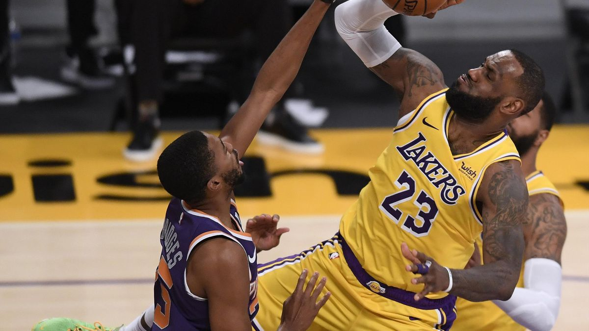 LeBron James (Los Ángeles Lakers) ante Phoenix Suns