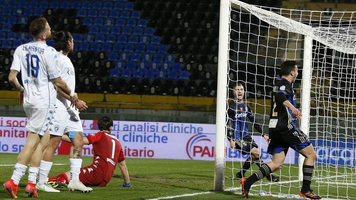 Pisa-Empoli, Serie B 2020-2021: Samuele Birindelli (Pisa, maglia nerazzurra numero 2) esulta dopo aver realizzato il gol del momentaneo 1-0 (Getty Images)