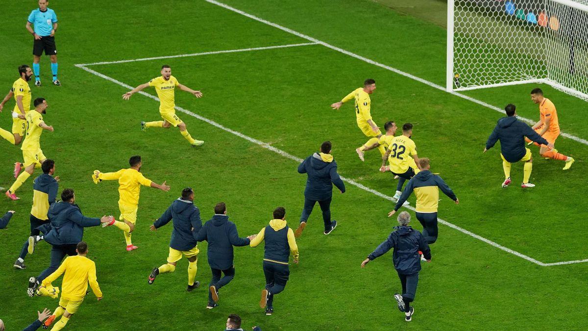 Der FC Villarreal jubelt über den Europa-League-Sieg 2021